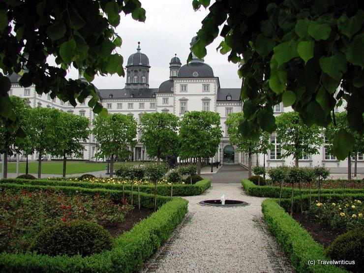 Gartenansicht von Schloss Bensberg