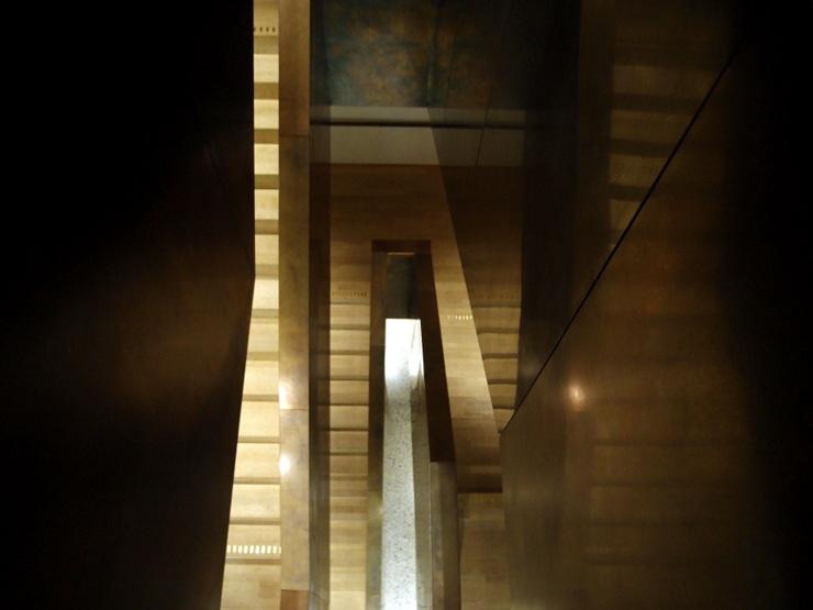 Treppenhaus im Vorarlberg Museum in Bregenz, Österreich