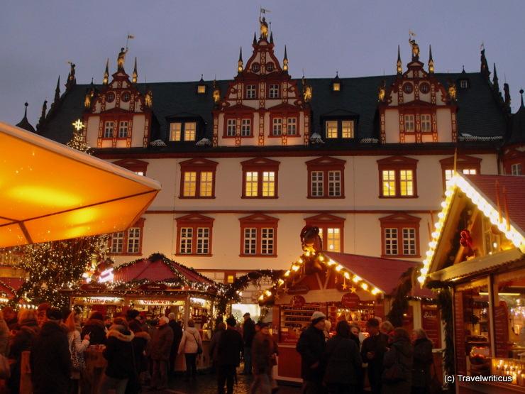 Weihnachtsmarkt am Marktplatz von Coburg