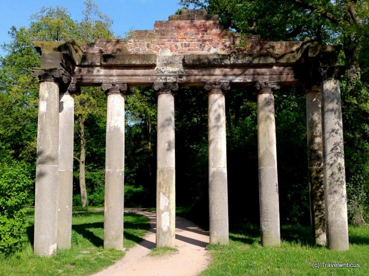Sieben Säulen in Dessau-Roßlau