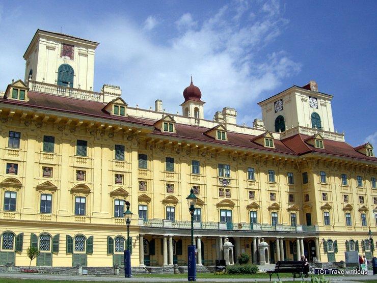 Vorderansicht von Schloss Esterházy in Eisenstadt