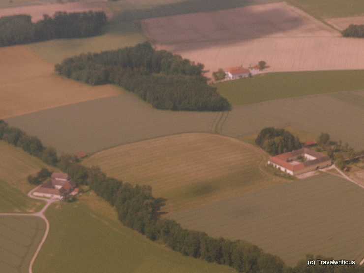 Vierkanthöfe auf dem Flug Linz - Rostock