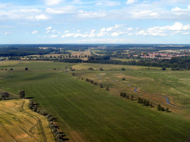 Mecklenburgische Wiesen auf dem Flug Linz - Rostock