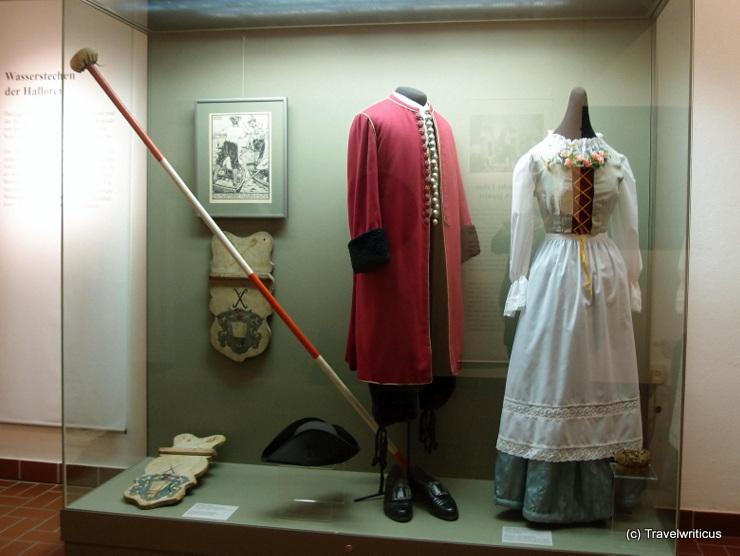 Tracht eines Halloren und seiner Braut