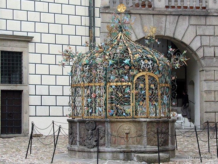 Brunnen auf Schloss Jindřichův Hradec in Böhmen