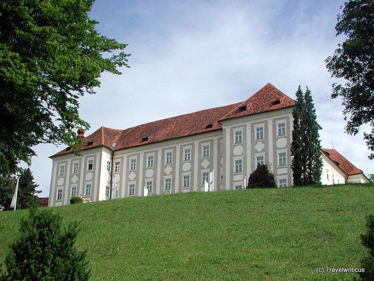 Talansicht von Schloss Piber