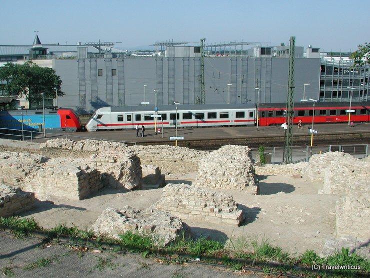 Ruine des römischen Theaters in Mainz