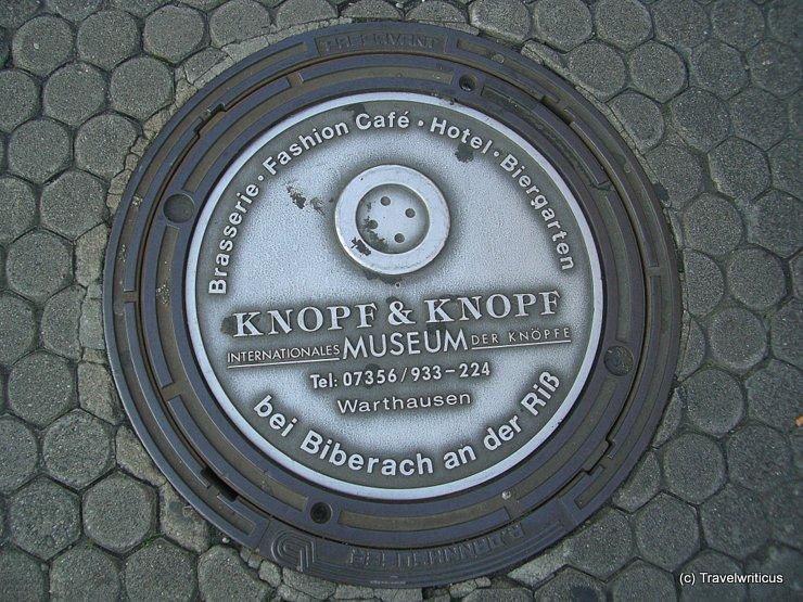 Werbung für ein Knopfmuseum