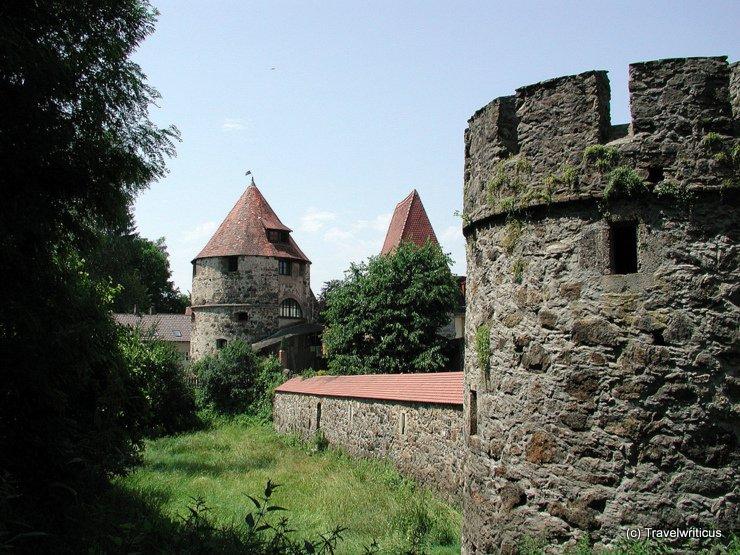 Blick auf die Stadtmauer in der Innstadt