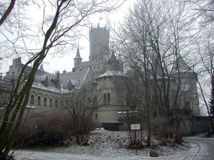 Schloss Marienburg an einem Wintertag