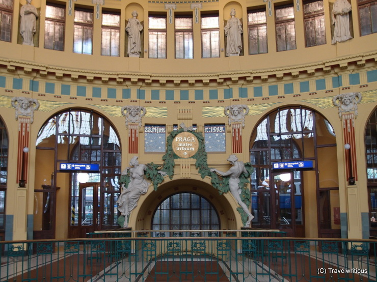 Jugendstil-Halle im Prager Hauptbahnhof