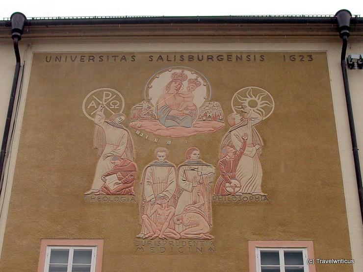 Sonnenuhr an der alten Salzburger Universität
