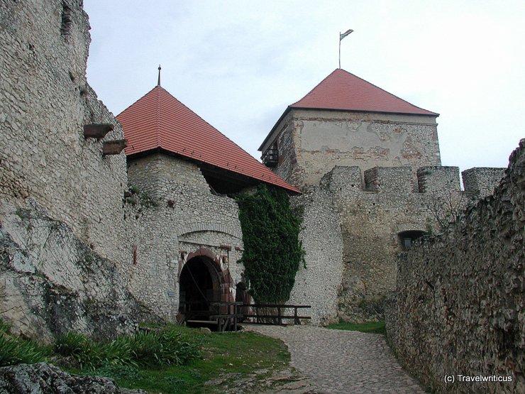 Torturm der Burg Sümeg