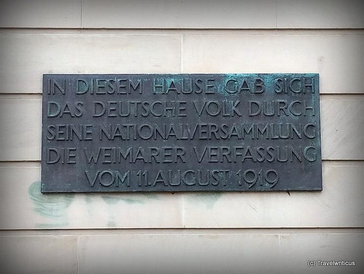Gedenktafel von Walter Gropius für die Weimarer Verfassung von 1919