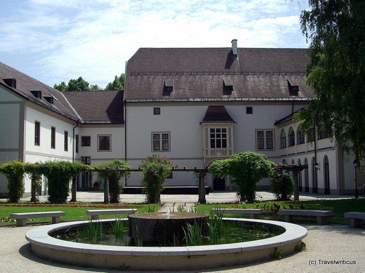 Gartenansicht der Burg in Wels
