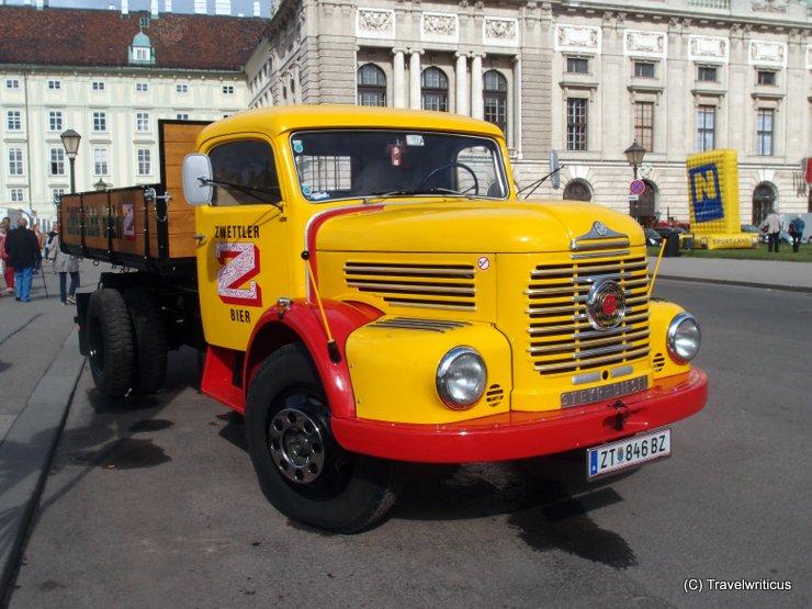 Lastwagen Steyr 480k (Bj. 1966) auf dem Wiener Heldenplatz